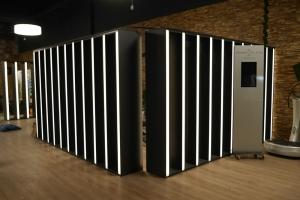 Innenausbau-Fitnessstudio-Raumteiler-LED
